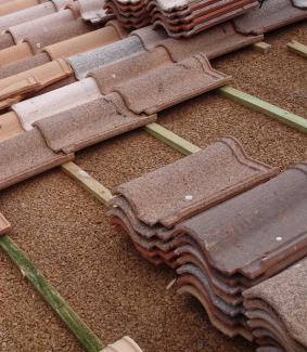 aislantes ecológicos, tejado con aislamiento de corcho