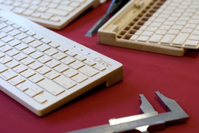 teclado inalámbrico de madera