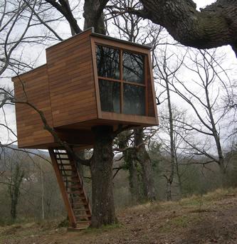 pequea casa de madera en el rbol - Casas En Los Arboles