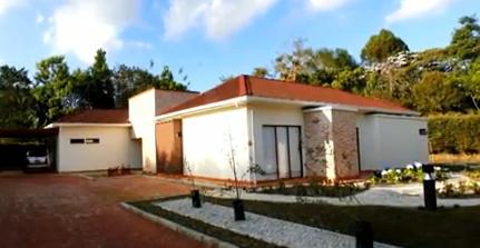 fachada casa de estructura de madera o casa canadiense