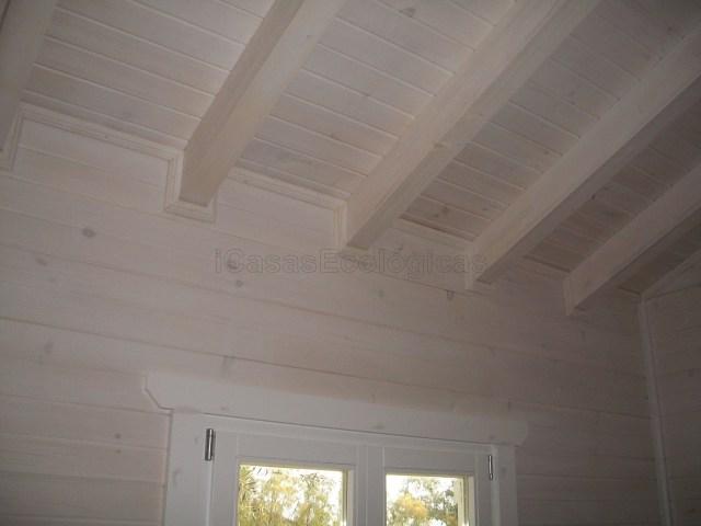 Paredes blancas en casas de madera casas ecológicas