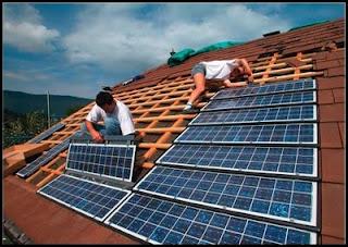 Paneles solares para casas que producen electricidad for Tejados solares