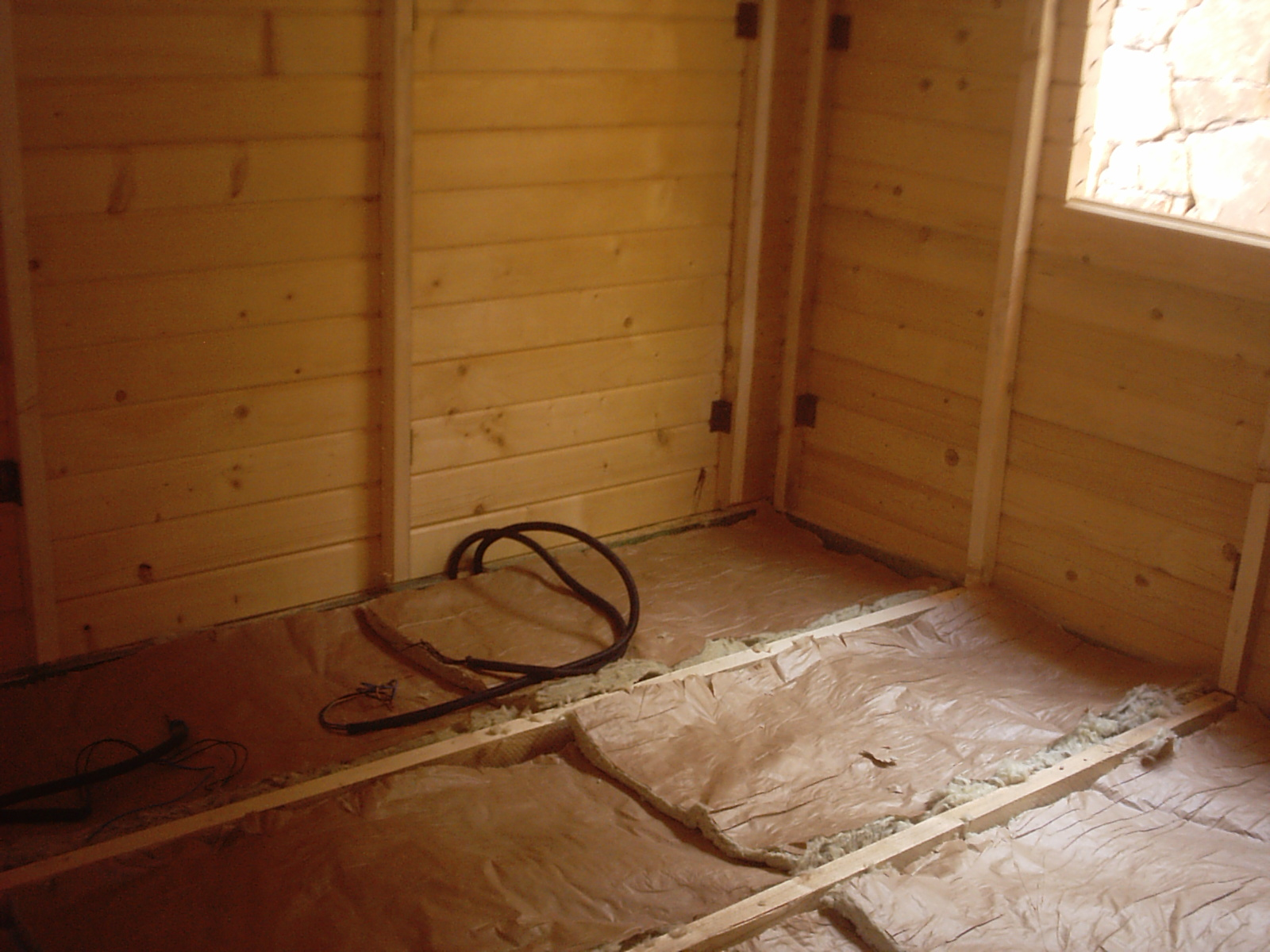 Casas de entramado de madera 2 estructura del suelo casas - Aislantes de humedad ...
